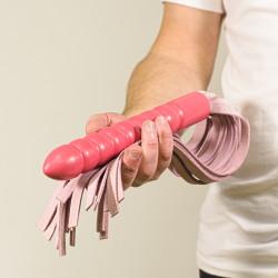 Růžové kožené důtky s dildo rukojetí